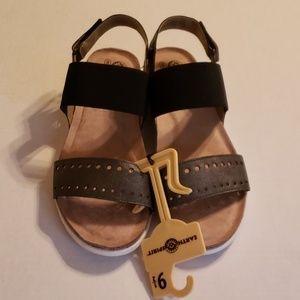 NWOT Earth Spirit shoes, size 9 1/2 sandals